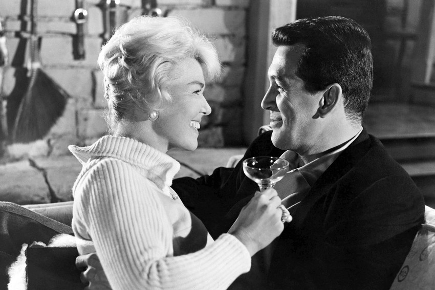 Primary image for Rock Hudson and Doris Day embracing from Pillow Talk 18x24 Poster