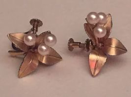 VTG 50s Unsigned 3D Gold Tone Leaves/Pearl Berries Screw Back Cluster Ea... - $10.99