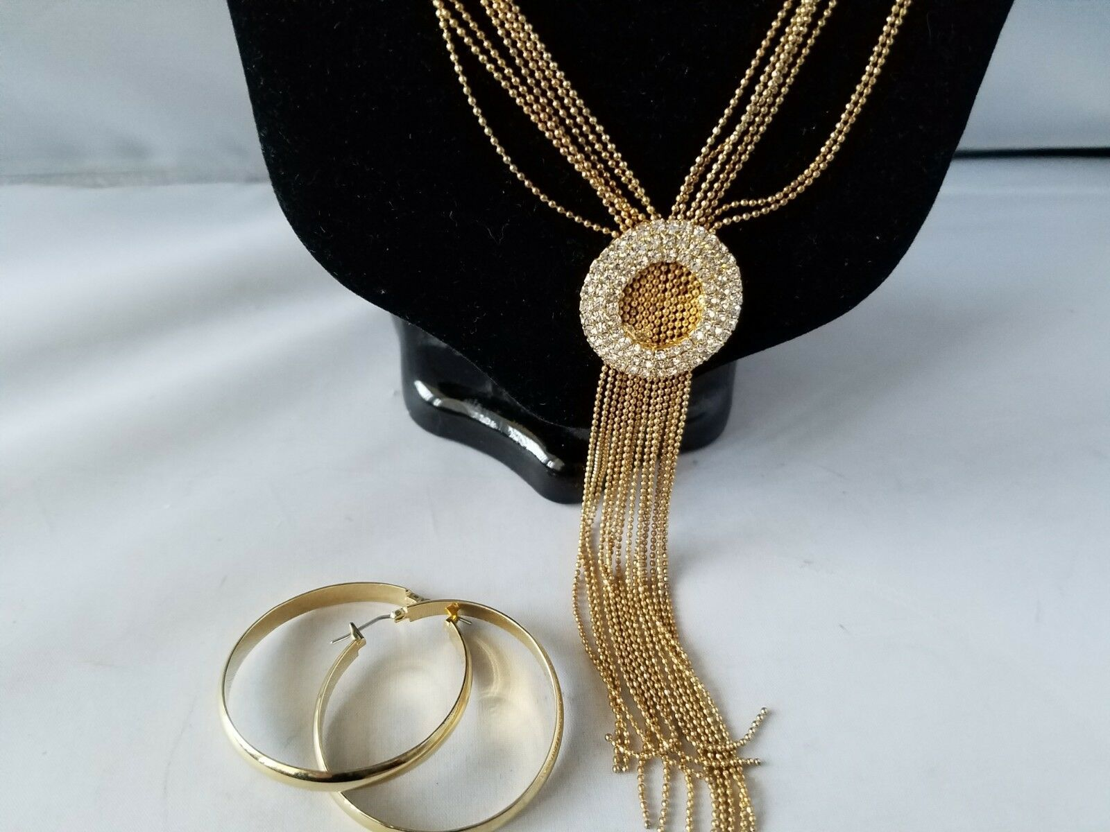 Vintage Fashion Jewelry Set Long Chain Necklace Gold Tone Flat Hoop Earrings