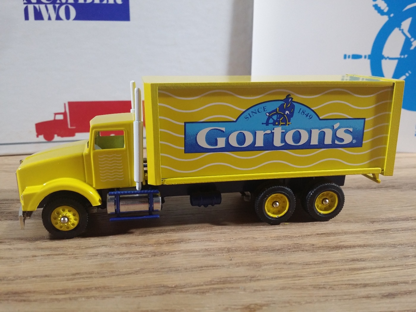 Winross Kenworth T800 Box Truck Gorton's First Edition Series #2 1:64