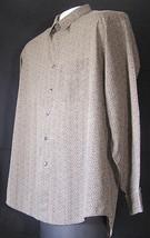 Men's Long Sleeve Casual Dress Shirt Size 16-16.5 Van Heusen Brown Wrink... - $14.99