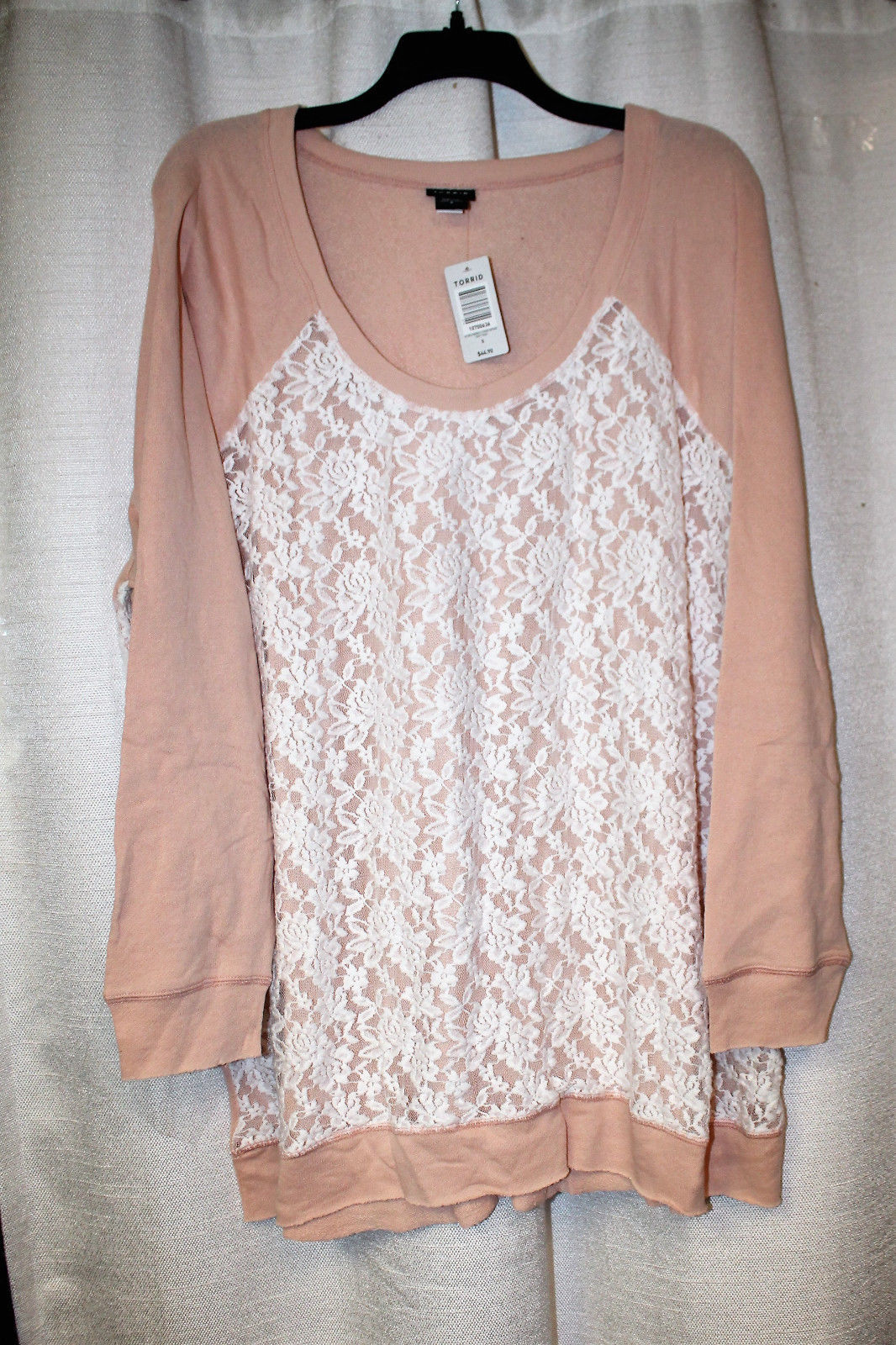 NEW TORRID WOMENS PLUS SIZE 5X 5 LIGHT PINK SWEATSHIRT WITH WHITE LACE OVERLAY - $30.95
