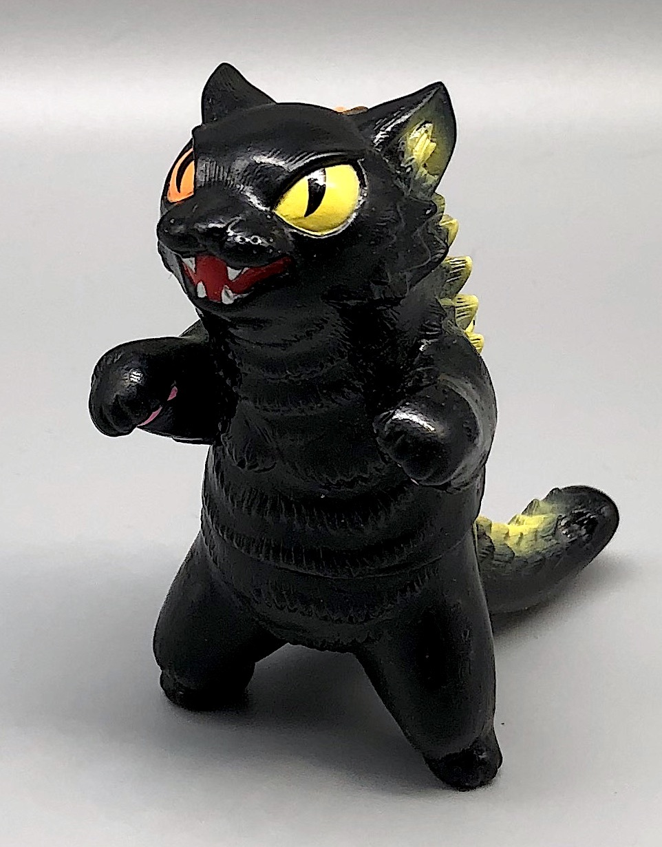 Max Toy Black Odd-Eye Negora - Rare