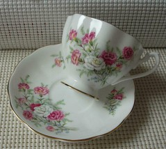 Vintage QUEEN ANNE China TEA CUP & SAUCER COUNTRY GARDENS Carnations EUC - $16.48