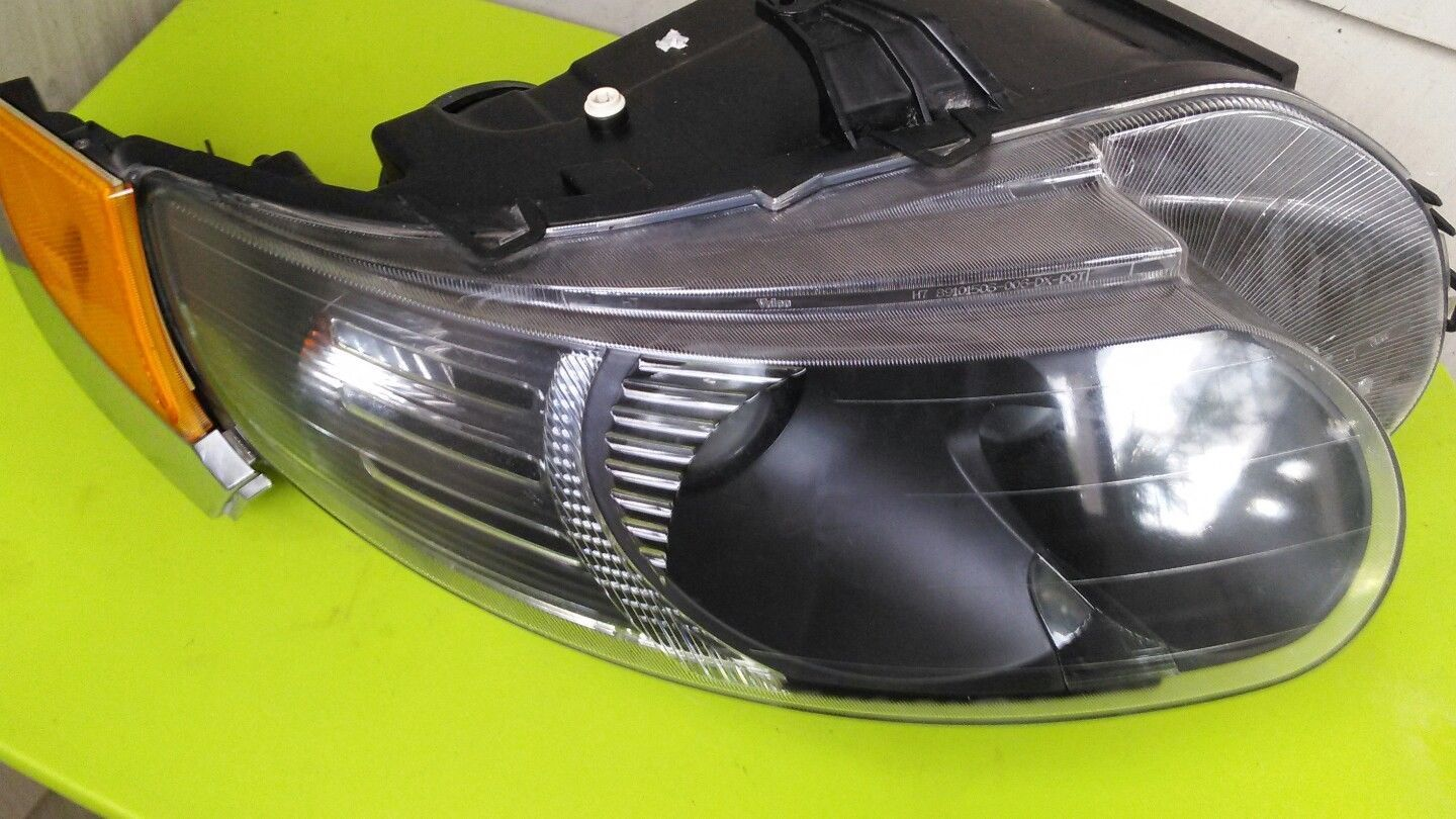 Primary image for 09  SAAB 95 9-5 PASSENGER RIGHT SIDE HALOGEN HEADLIGHT W/ CORNER LIGHT 06 07 08