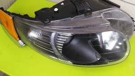 09  SAAB 95 9-5 PASSENGER RIGHT SIDE HALOGEN HEADLIGHT W/ CORNER LIGHT 0... - $252.40