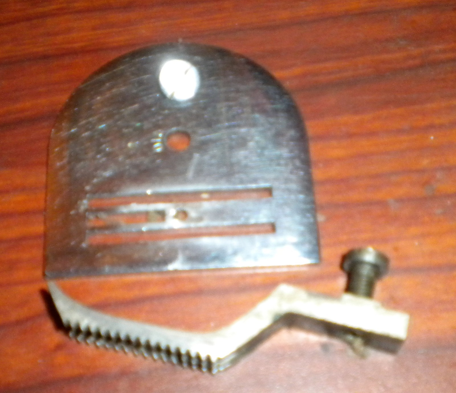 Primary image for Graybar National Rotary Machine Throat Plate w/Mounting Screw & Feed Dog w/Screw