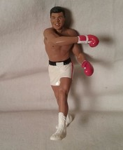 1999 HALLMARK KEEPSAKE CHRISTMAS TREE ORNAMENT MUHAMMAD ALI - $27.71