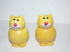 Vintage Gold Cats Kitty Salt and Pepper Shaker Ceramic Set ba - $12.50