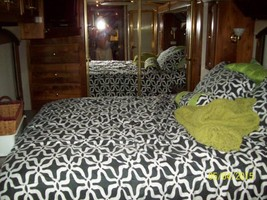 2003 American Eagle Custom Motor Home For Sale in Mooresville, NC image 4