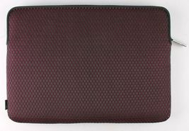 Incase Compact Nylon Sleeve for 13-Inch MacBook Pro Thunderbolt 3 - Mulberry image 4