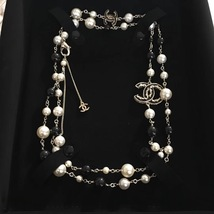 Authentic Chanel CC Logo Long Beaded 2 Tone Faux Pearl Necklace Gold Black image 3