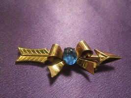 Coro Gold Tone Bow and Arrow Gold Tone Brooch Pin Designer Signed Blue Glass - $39.60