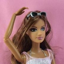Barbie 2008 FASHION FEVER TERESA Articulated Brunette Latina Doll & Clot... - $30.00