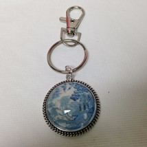 Beautiful, Rare 1.25in Round Blue Willow with 3.5in L Silver Tone Key Chain - $12.30