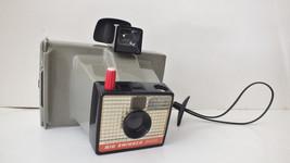 Vintage Polaroid BIG SWINGER 3000 Land Camera W/Strap, Case, & Flash bulbs - $13.10
