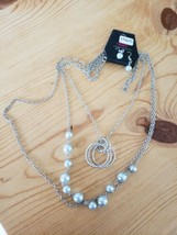 1065 Silver W/ White Beads Necklace Set (New) - $8.58