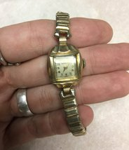 Vintage BENRUS Ladies' 10 Kt R.G.P Swiss Wristwatch Analog 17 Jewels Mec... - $26.98