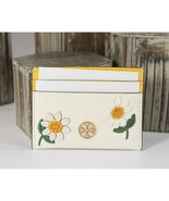 Tory Burch Robinson Embroidered Daisy Yellow White Leather Card Case Hol... - $96.35