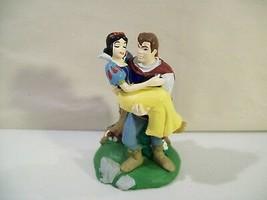 Disney Store Lil Classics Princess Snow White & Prince Charming Pvc Figure Love - $16.61