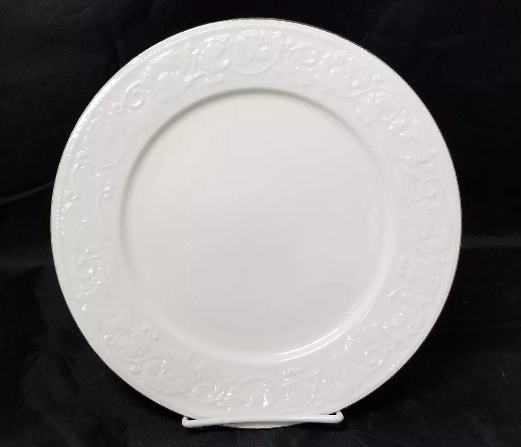 """Retroneu Calais Dinner Plates Set of 2, 10.5"""" White w Gold Trim 4173 image 3"""