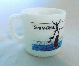 Sea World 1985 Graphic Mug Anchor Hocking Made In USA - $13.64