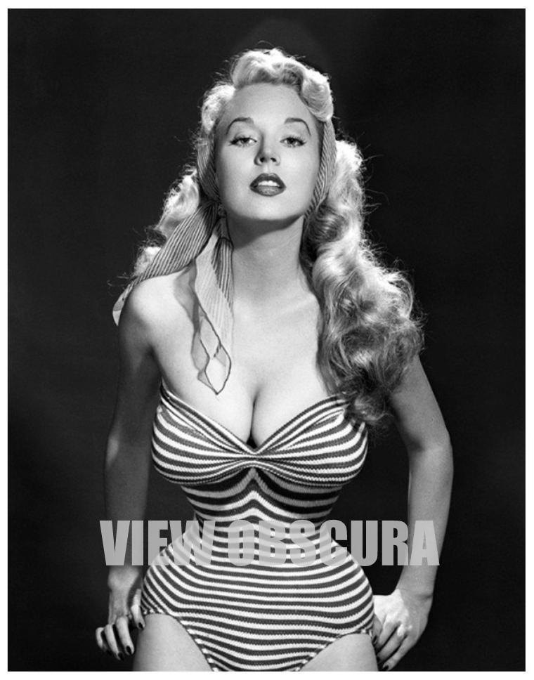 The Perfect Hour-Glass Figure - Vintage Pin Up Model Betty Brosmer - 8 x 10