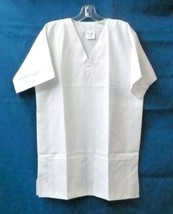 White Scrub Top V Neck XS Women On Qor Two Patch Pocket Microfiber New - $19.37