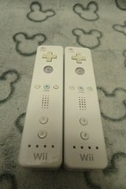 Wii motes x 2 OFFICIAL Nintendo Controllers Bundle WHITE VGC FAST DISPATCH - $18.71