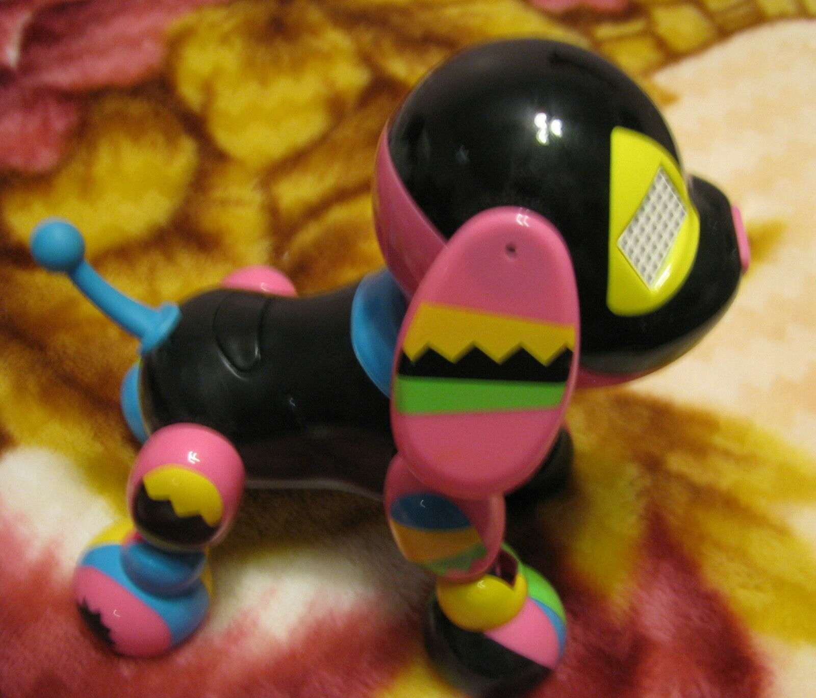 Spin Master Zoomer Zuppies Roxy Interactive Puppy Dog Lights Sounds Sensors