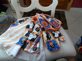 Sultan' Linens Halloween pot holder, oven mitt and kitchen towel set - $12.00