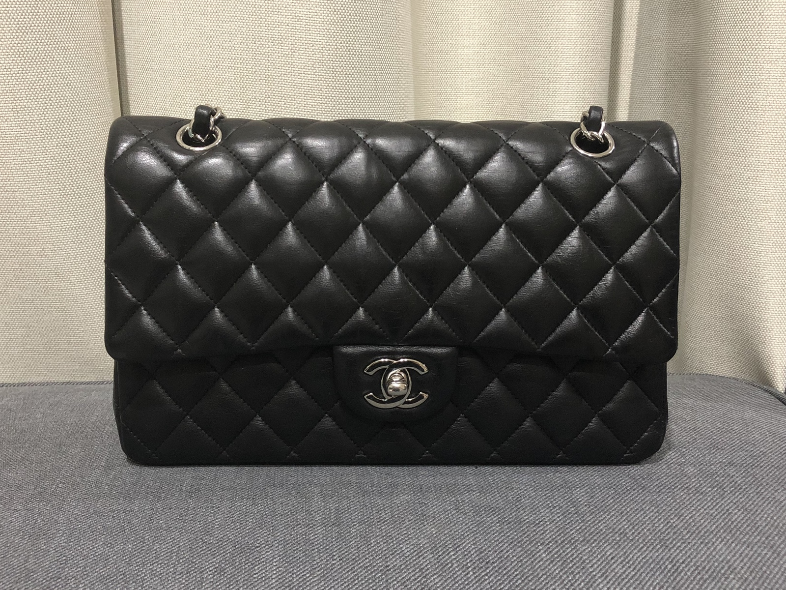 100% Authentic Chanel BLACK QUILTED LAMBSKIN MEDIUM CLASSIC DOUBLE FLAP BAG SHW