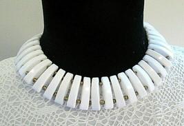 Vtg White Modernist Choker Necklace Plastic or Lucite Bold Runway Statement - $24.99