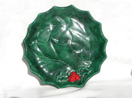 Vintage Holland Mold Green Christmas Holly and Berry Flat Plate or Servi... - $17.99