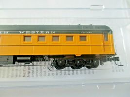 Micro-Trains # 14600430 Chicago & North Western 80' Heavyweight Diner N-Scale image 3