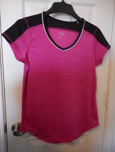 Women's Made for Life Short Sleeve Color Block T Shirt Berry Size Small NEW - $14.84