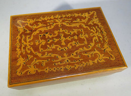 """VINTAGE REUGE LACQUER WOOD SWISS MUSIC BOX """"Torna a Surriento"""" 5""""1/2 X 4"""" - $50.00"""