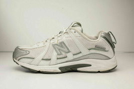 New Balance Size 8 White Running Shoes Women's - No Insoles - $22.00
