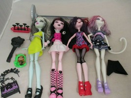 """Lot of 4 Monster High 10.5"""" Dolls Cat Brush Stand Extras ( one doll missing arm) - $39.99"""