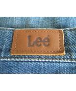 Women's Size 8 denim blue jeans by Lee  MACS022 - $11.95
