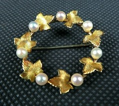 "Krementz Beautiful Gold Tone Laurel Leaf and Pearl Round 1 1/4 ""Brooch - $45.00"