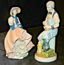 A Barber and Lady Figurines AA20-7174 Vintage