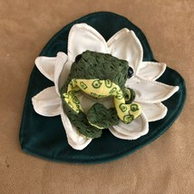 Folkmanis Frog On Lilly Pad Finger Puppet Plush Toad White Flower Soft Toy  - $24.50