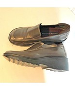 """Tommy Hilfiger Womens Sz 8 M Brown Slip On Shoes 2"""" wedge Heel boat shoes - $19.39"""