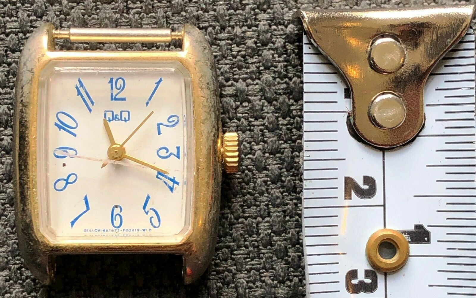 Vintage Q & Q Women's Watch - Functional - No Strap