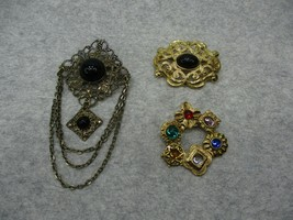 3 Vintage Brooches Gold Tone Black Blue Green Red Beads - $10.99