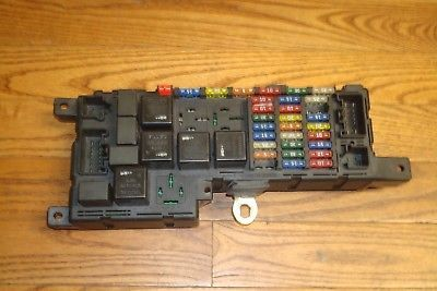 2003 Volvo XC90 2.5L AWD Turbocharged OEM Engine Fuse Relay Box Panel 8678449