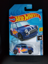 Mattel Hot Wheels Morris Mini HW Race Team