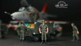 USAF ground commander in airfield 1:48 Pro Built Model - $14.85