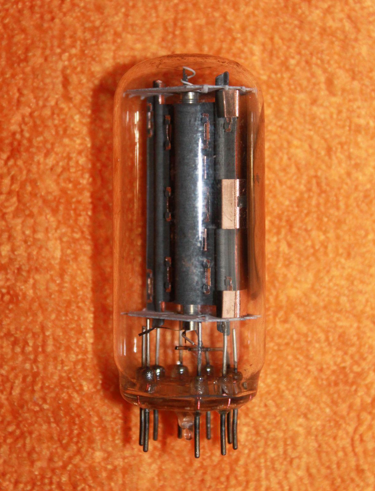 Vintage Radio Vacuum Tube (one): 17BS3A - Tested Good